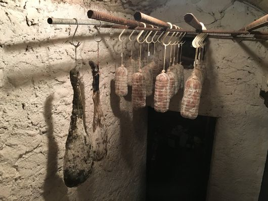 Macelleria Gianocca - Salumi in stagionatura